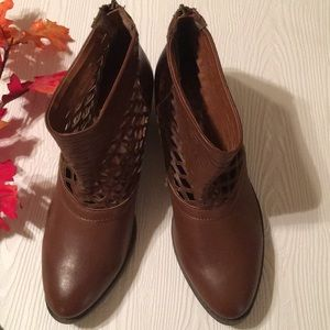 NWT Sugar Ankle Boots